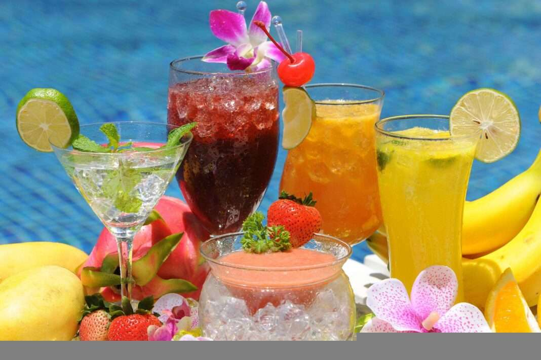 https://anasi.ru/wp-content/uploads/2017/04/how-to-make-refreshing-and-a-healthy-drink-for-a-hot-summer-days-feature-image-1068x710.jpg